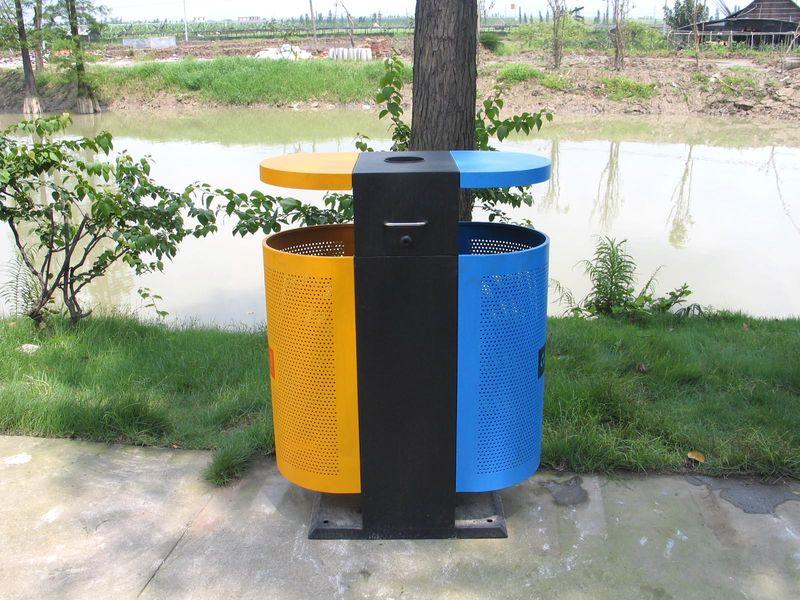 环保衣服图片垃圾桶造型